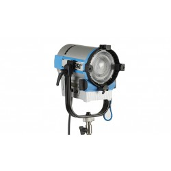 L5-C LED Fresnel Hybrid Color & White 2.8-10K with 4-Leaf Barndoor